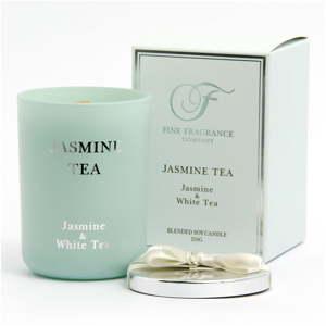 Vonná svíčka ve skle ze sojového vosku s vůní jasmínového čaje Candle-Lite, doba hoření až 50hodin
