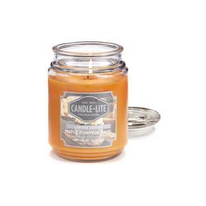 Vonná svíčka ve skle s vůní javoru a dýně Candle-Lite, doba hoření až 110 hodin